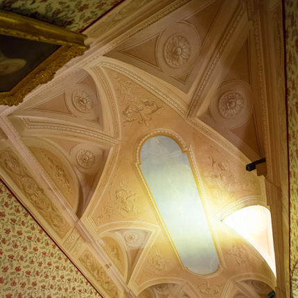 Louis XIII bedroom ceiling