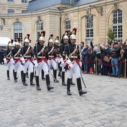 Visite de S.A.S. le Prince à l'Hôtel Matignon