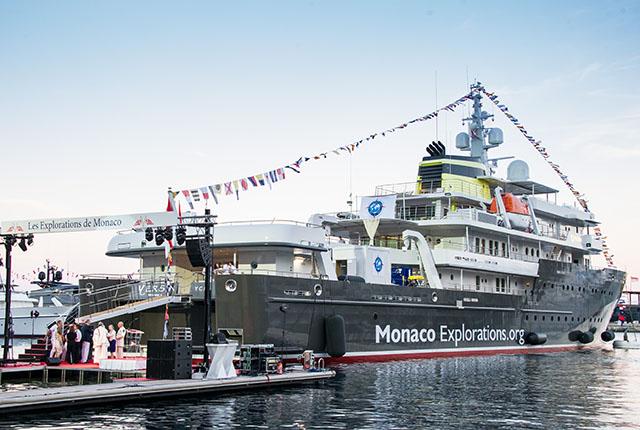 Départ du Yersin de Monaco pour trois années d'exploration scientifique autour du globe