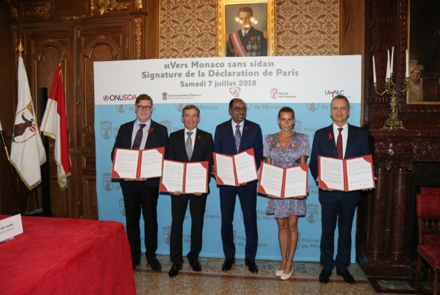 Official Signature of the Towards Monaco without AIDS Declaration