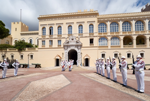H.S.H. the Prince attended the resumption of the Changing of the Guard ceremony
