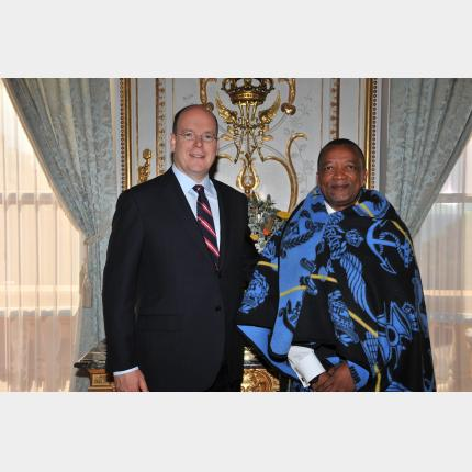 Remise des lettres de créance de S.E. M. le Dr Makase NYAPHISI Ambassadeur Extraordinaire et Plénipotentiaire du Royaume du Lesotho auprès de la Principauté de Monaco