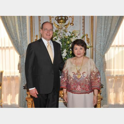 Presentation of Credentials by H.E. Mrs Rora NAVARRO-TOLENTINO, Ambassador Extraordinary and Plenipotentiary of The Republic of the Philippines to the Principality of Monaco