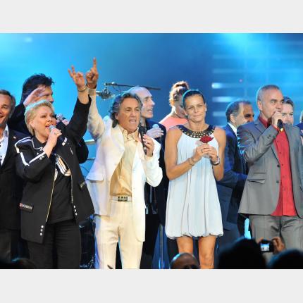 Gala d'Eté de Fight Aids Monaco (F.A.M.) avec les artistes de la tournée