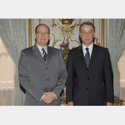 Remise des Lettres de créance de S.E. M. Alexandre Alexeevitch Avdeev, Ambassadeur extraordinaire...