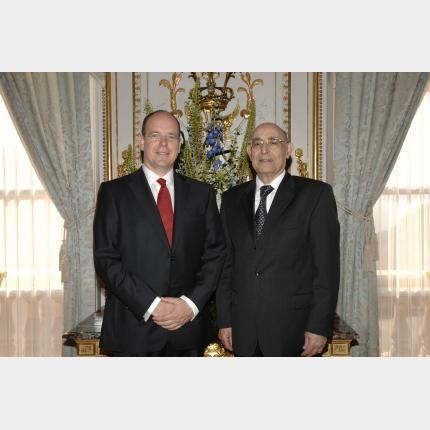 Remise des Lettres de créance de S.E.M Missoum Sbih, Ambassadeur extraordinaire et...