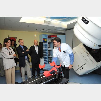S.A.R la Princesse de Hanovre a assisté à la présentation d'un nouveau matériel de radiothérapie