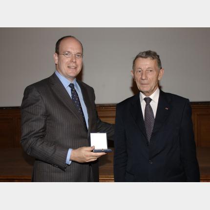 S.A.S le Prince Albert II a été élu Membre Associé de l'Académie de Marine
