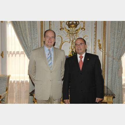 Remise des Lettres de créance de S.E.M. Joaquim Rodezno Munguia, Ambassadeur Extraordinaire et...