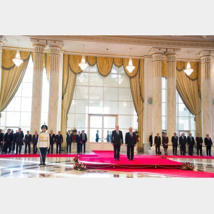 Visite officielle du Souverain au Kazakhstan