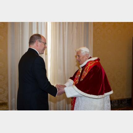 Communiqué de presse suite à l'annonce du Père Federico Lombardi