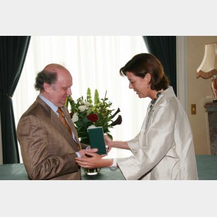 S.A.R la Princesse de Hanovre a remis les insignes de Commandeur dans l'Ordre du Mérite Culturel à Maître Marek Janowski