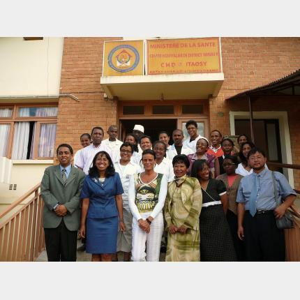 Voyage humanitaire de S.A.S. La Princesse Stéphanie à Madagascar